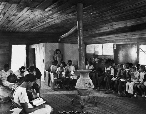 1941_Segregated_Classroom