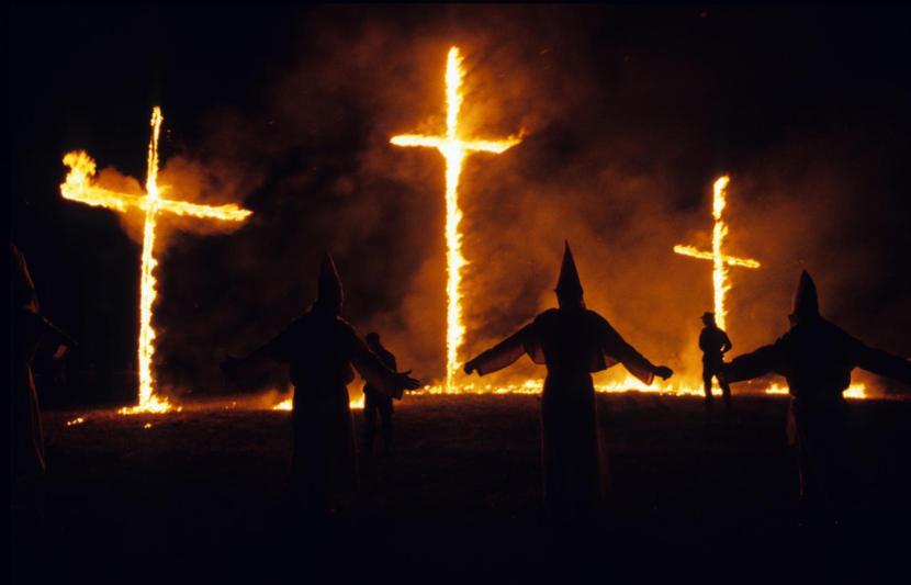 KKK_burningcrosses